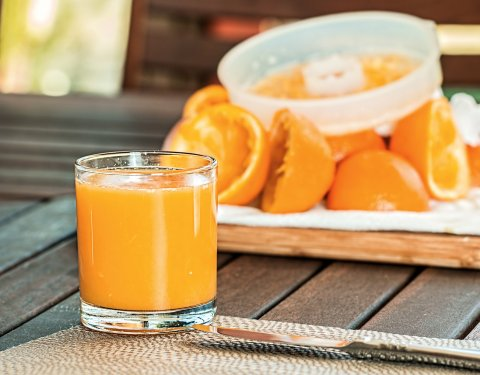 Γνωρίζεις τι σου προσφέρει ένα ποτήρι από φρέσκο χυμό πορτοκάλι την ημέρα; - Κεντρική Εικόνα