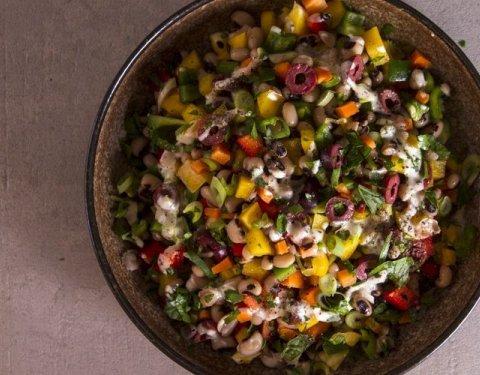 Σαλάτα με μαυρομάτικα φασόλια (λουβιά) - Images