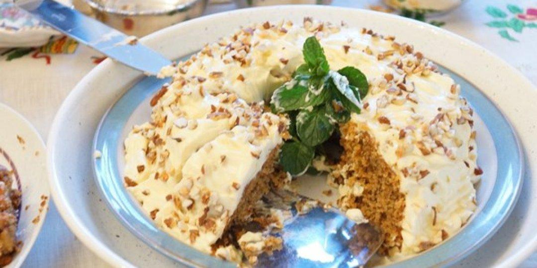 Καρυδόπιτα με επικάλυψη Arla φρέσκου τυριού κρέμα - Images