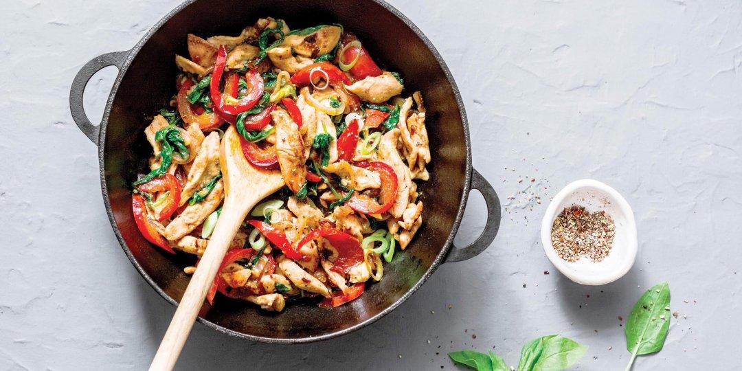 Φιλέτο κοτόπουλου με λαχανικά και σάλτσα σόγιας Exotic Food - Images