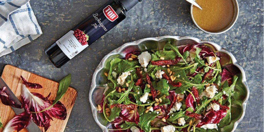 Σαλάτα ρόκα, αναρή & λιαστή ντομάτα με βινεγκρέτ - Images