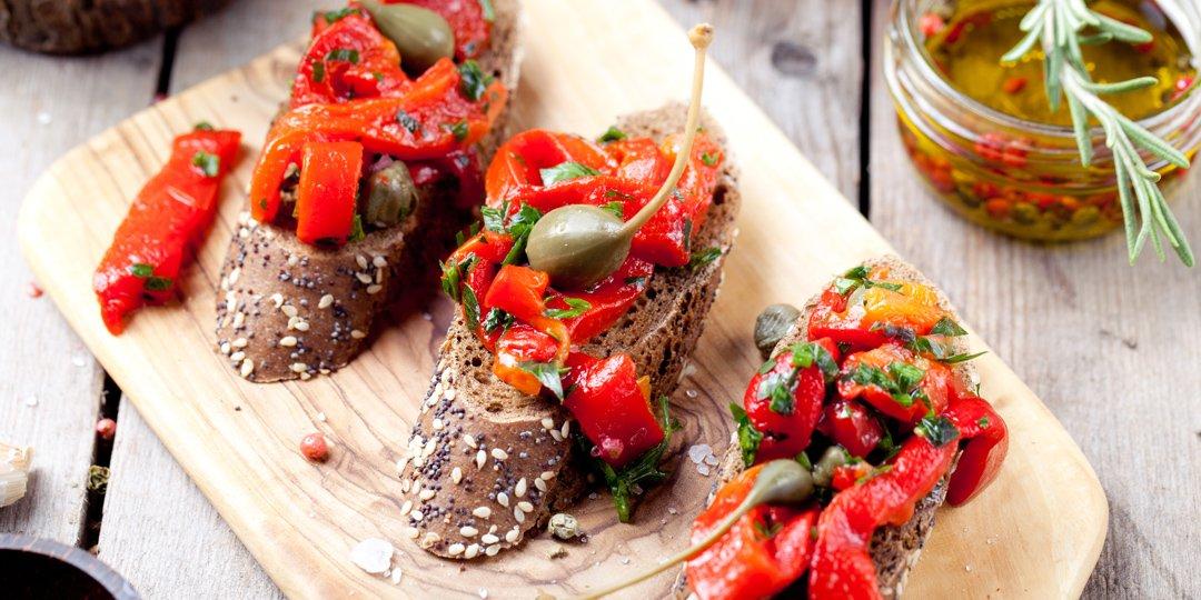 Μπρουσκέτες με πιπεριές Φλωρίνης και μυρωδικά  - Images