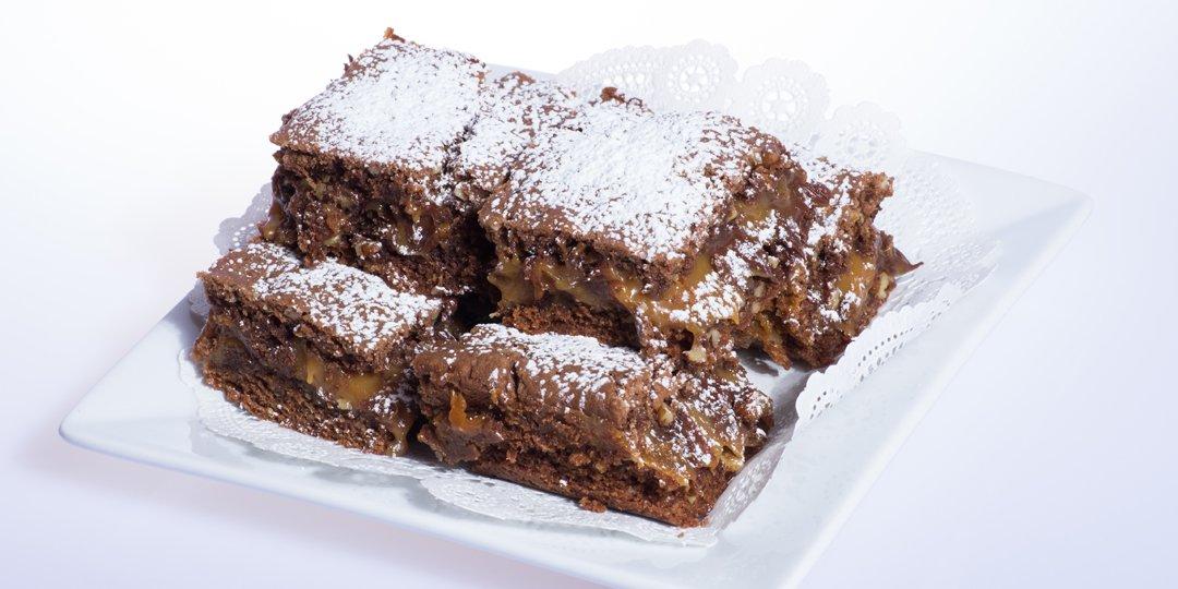Brownies με καρύδια και καραμέλα - Images
