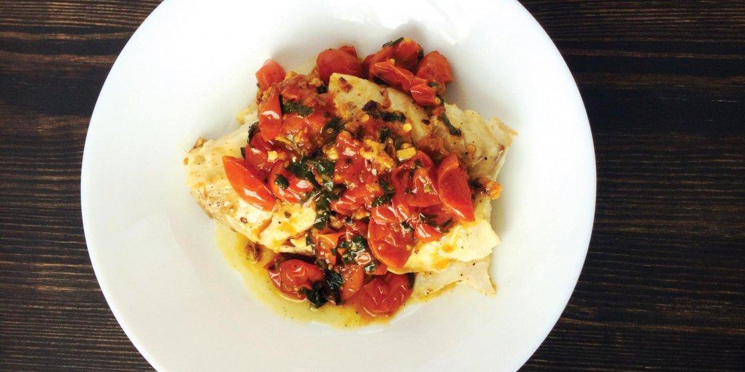 Ψάρι στο φούρνο με ντοματίνια και κρόκο Κοζάνης - Images