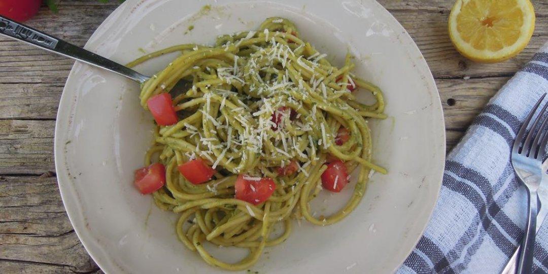 Σπαγγέτι ολικής αλέσεως με σάλτσα αβοκάντο - Images