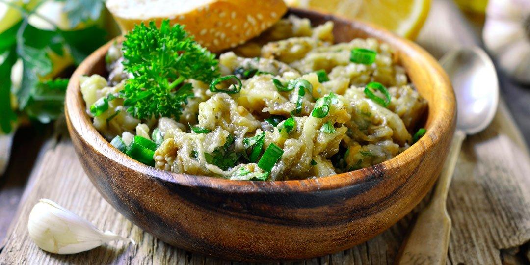 Σαλάτα με ψητή μελιτζάνα και σκόρδο - Images