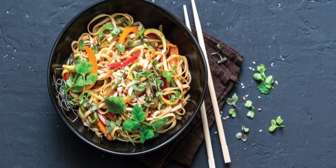 Μοσχάρι με noodles ρυζιού Exotic Food και σάλτσα σόγιας Exotic Food - Images
