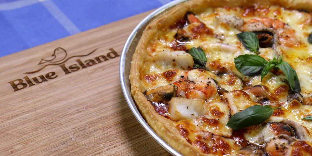 Φανταστική πίτσα με θαλασσινά Blue Island - Images