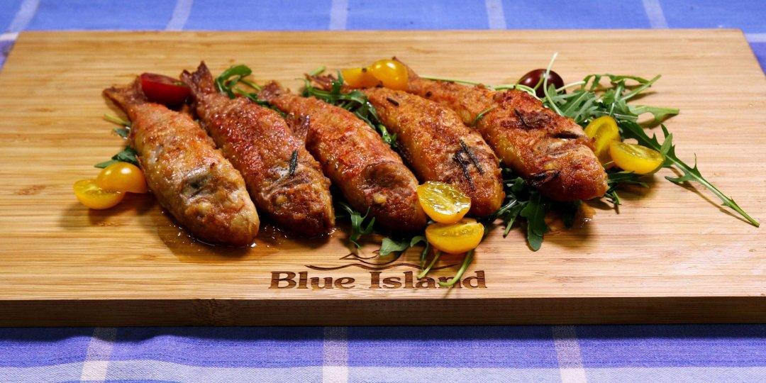Μπαρμπούνια Blue Island με σάλτσα δενδρολίβανο - Images
