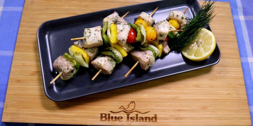 Μαριναρισμένο σουβλάκι ξιφία Blue Island με λαχανικά - Images