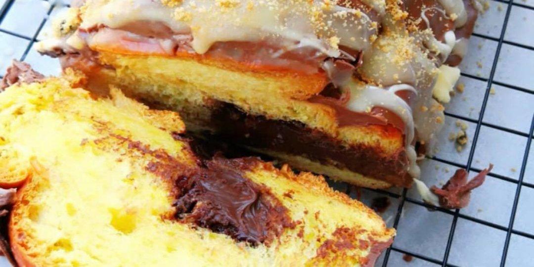Τσουρέκι με σοκολάτα πραλίνα και φιστίκια - Images
