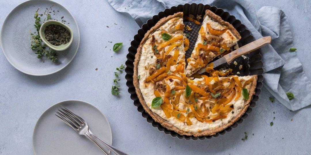 Αλμυρή τάρτα ολικής με πιπεριές, γιαούρτι και τυρί - Images