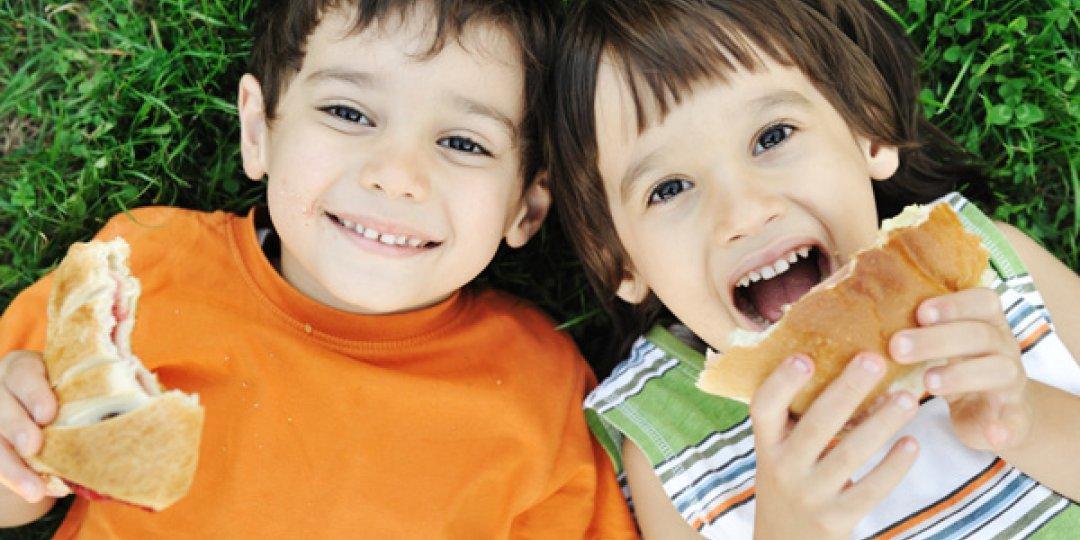 Πώς να μάθω στα παιδιά μου να τρων υγιεινά  - Κεντρική Εικόνα