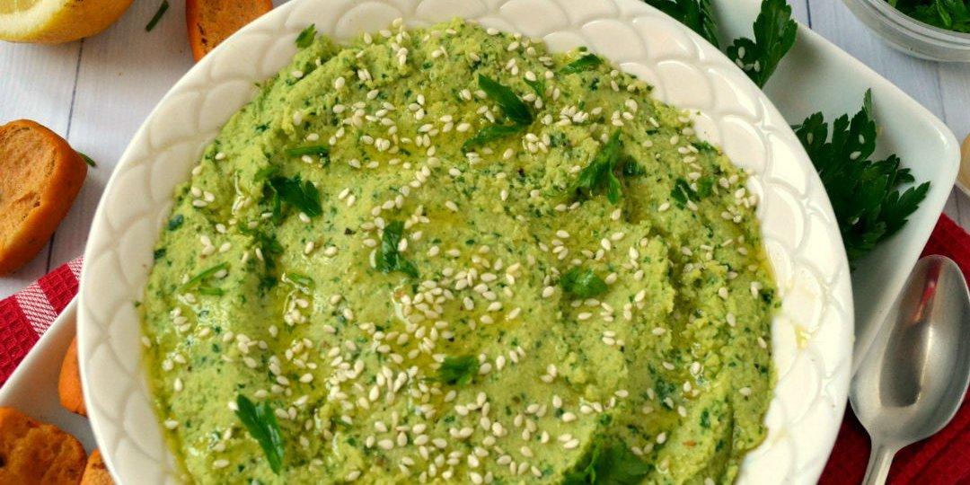 Χούμους με γεύση πέστο και μαϊντανού   - Images