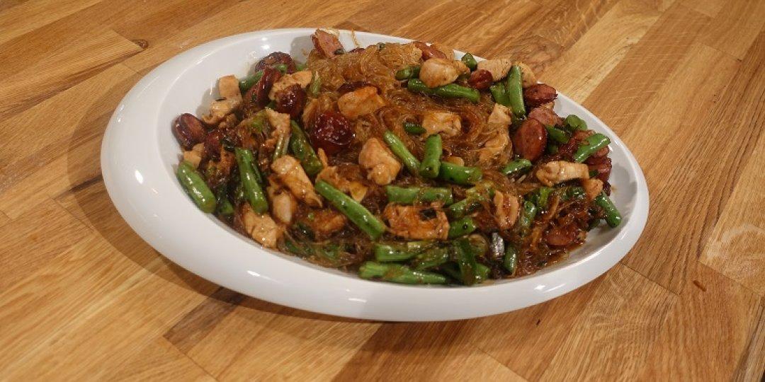 Κοτόπουλο με ρύζι Chow Mein - Images