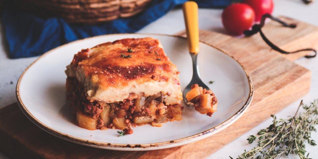 Εύκολος μουσακάς με πατάτες, μελιτζάνες και μπεσαμέλ - Images