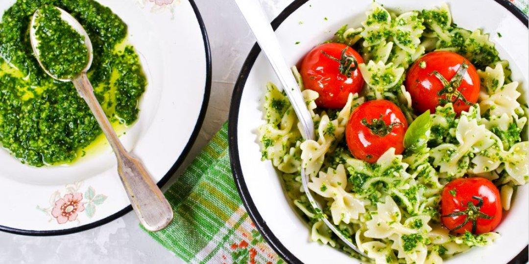 Φιογκάκια με πέστο από λαχανίδα (kale)   - Images