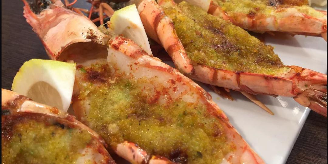 Γαρίδες με σκόρδο, βούτυρο και αρωματικά - Images