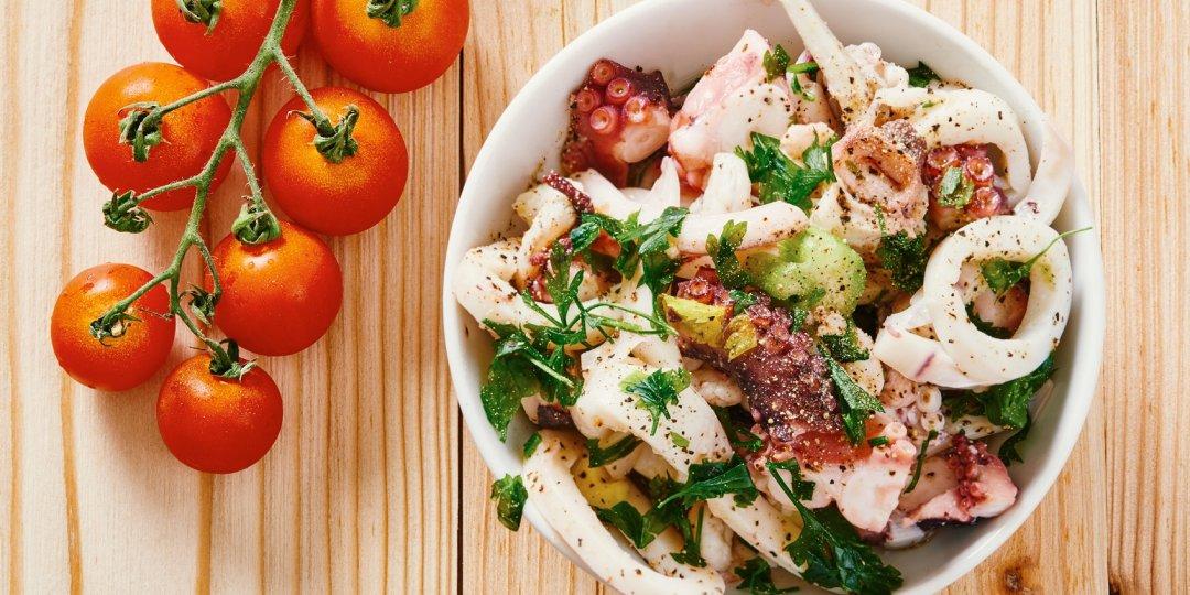Νόστιμη σαλάτα με καλαμαράκι και μάνγκο Foodsaver - Images