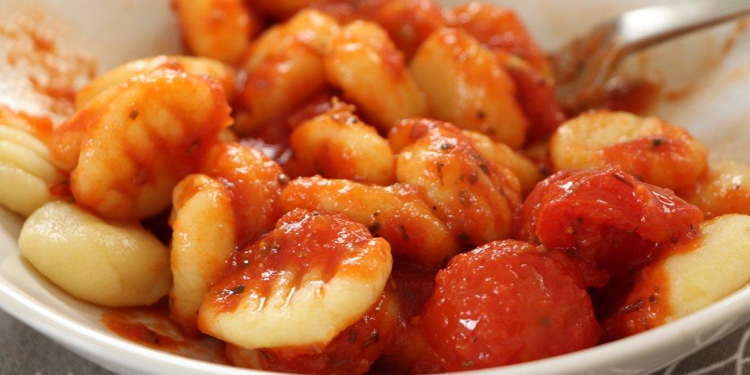 Νιόκι με σάλτσα ντομάτας  - Images