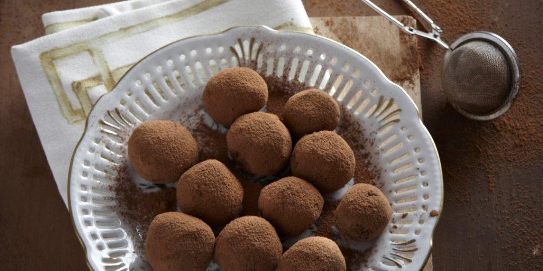 Τρουφάκια σοκολάτας με καρύδια  - Images