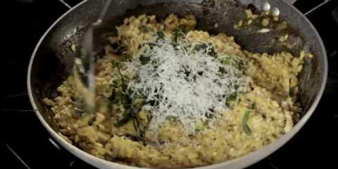 Ριζότο με χτένια και κρόκο Κοζάνης - Κεντρική Εικόνα