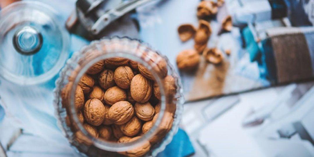 Τι γνωρίζεις για τα αμύγδαλα, τα καρύδια, τα φιστίκια και τα κουκουνάρια;  - Κεντρική Εικόνα