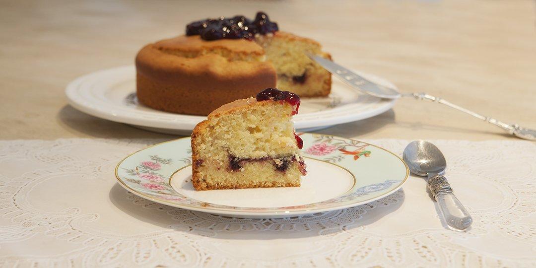Εύκολο κέϊκ παντεσπάνι με φραγκοστάφυλο  - Images