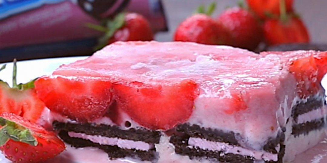 Παγωμένο Γλυκό με OREO Strawberry Cheesecake - Images