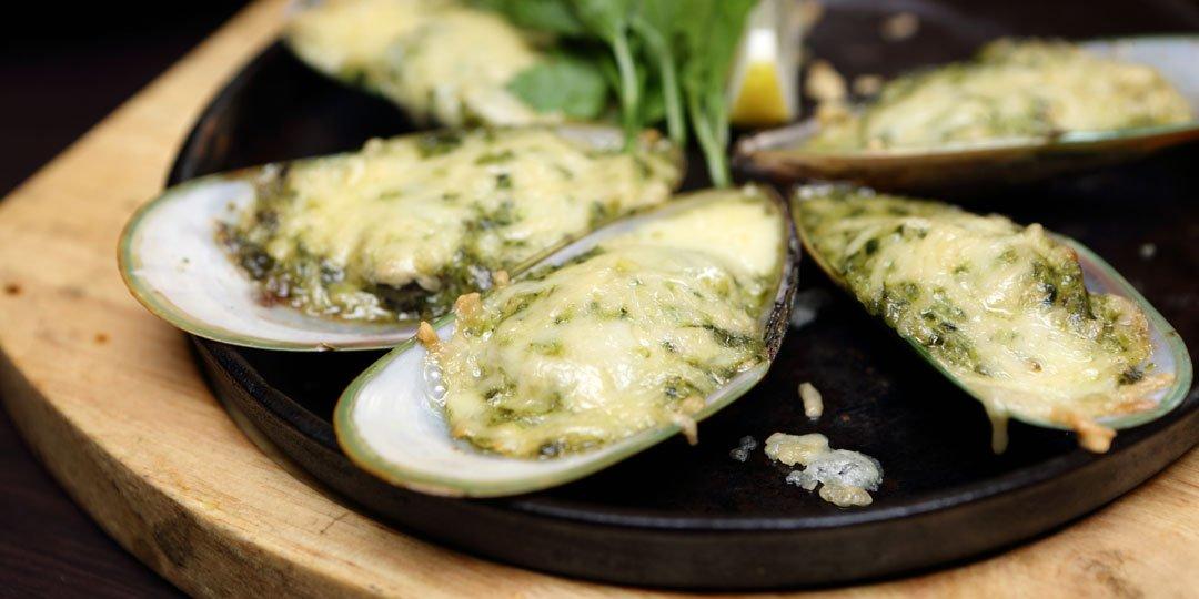 Μύδια με τυρί στο φούρνο  - Images