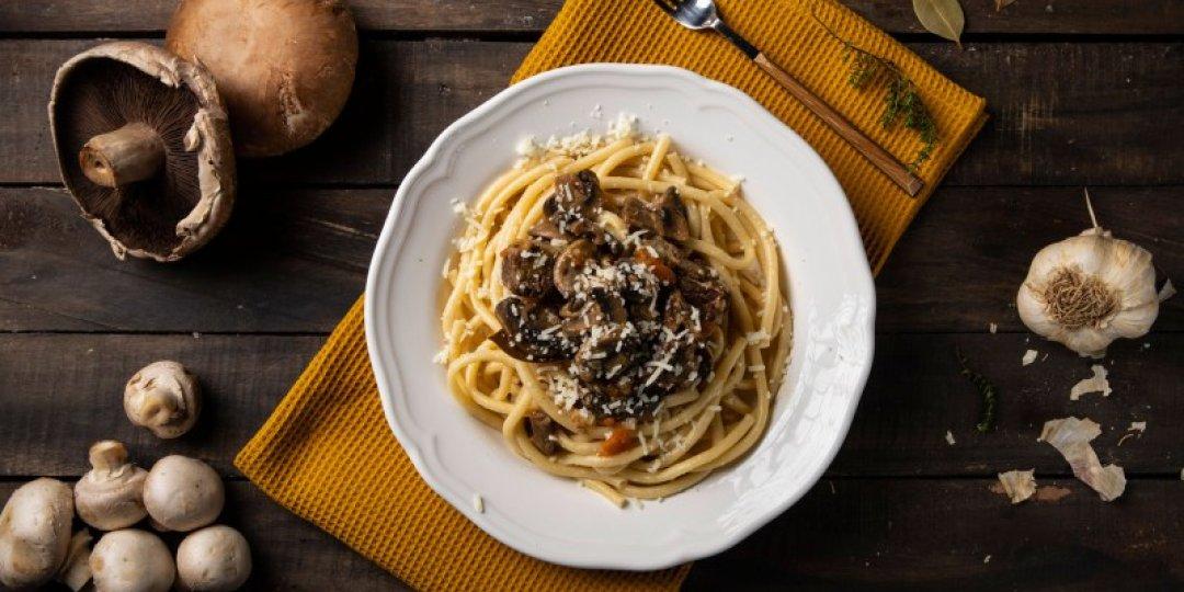 Μακαρόνια με μοσχαράκι και μανιτάρια στην κατσαρόλα Foodsaver - Images