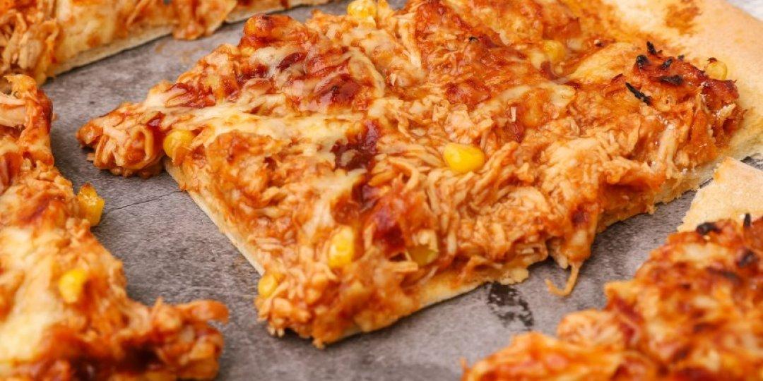 Πίτσα με κοτόπουλο και BBQ sauce - Images