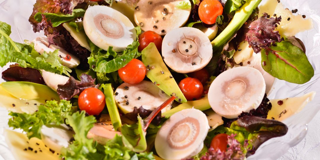 Σαλάτα με λευκά μανιτάρια και αβοκάντο με μέλι - Images