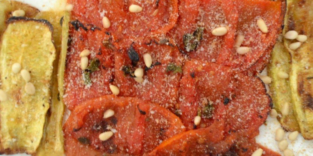 Σαλάτα με ψητά φιλέτα ντομάτας - Images