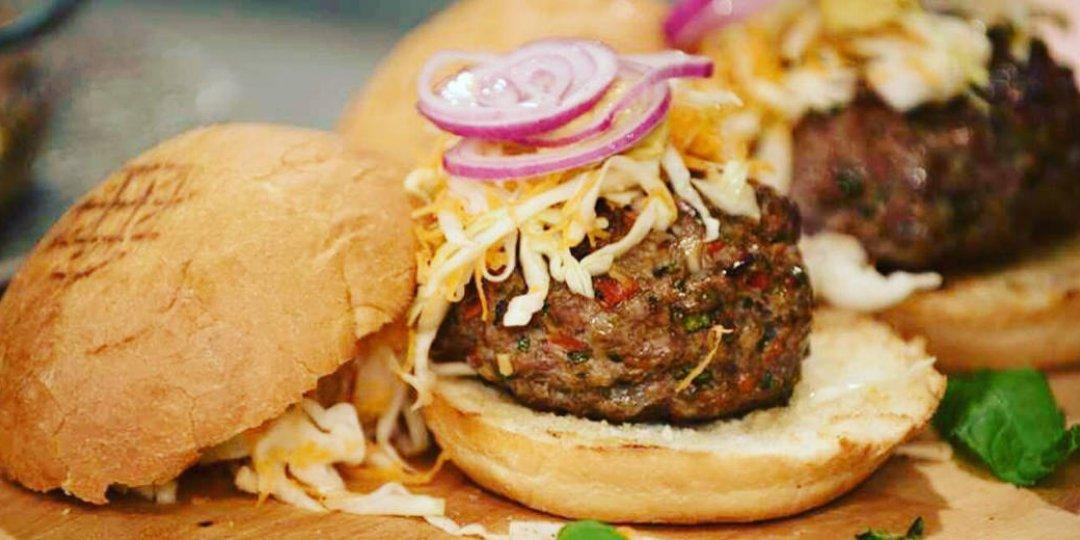 Λαχταριστά σπιτικά burgers - Images