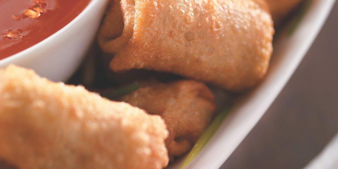 Tραγανά  spring rolls με exotic food sauce  - Images