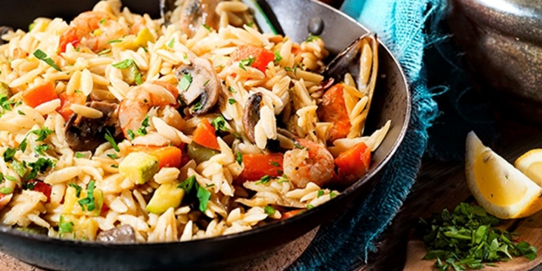 Κριθαράκι με λαχανικά και θαλασσινά - Images