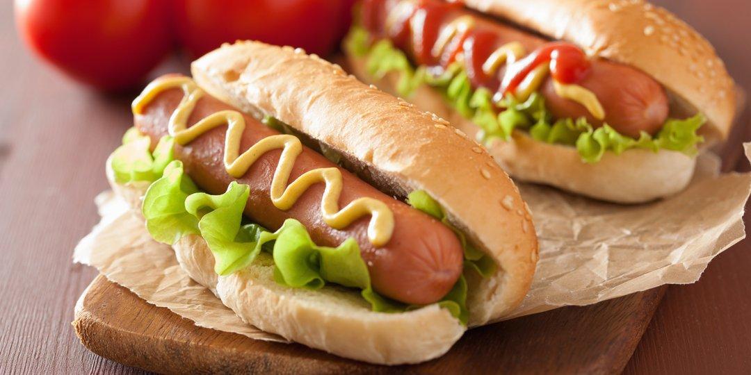Hot dog γαλοπούλας με ψωμί ολικής αλέσεως  - Images
