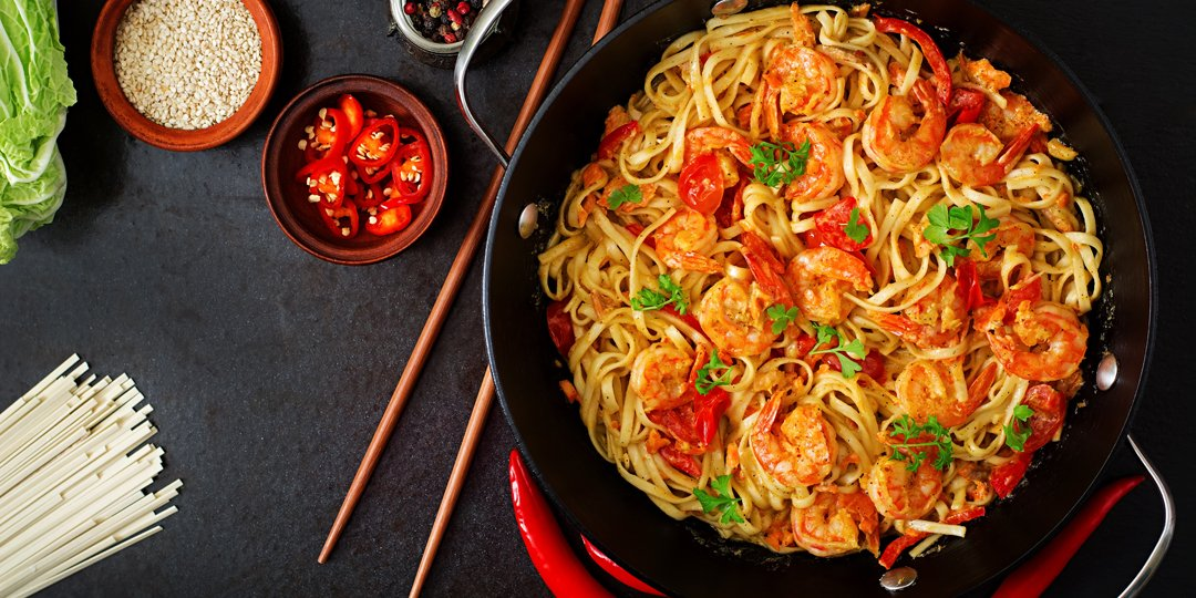 Noodles με γαρίδες και πιπεριές  - Images