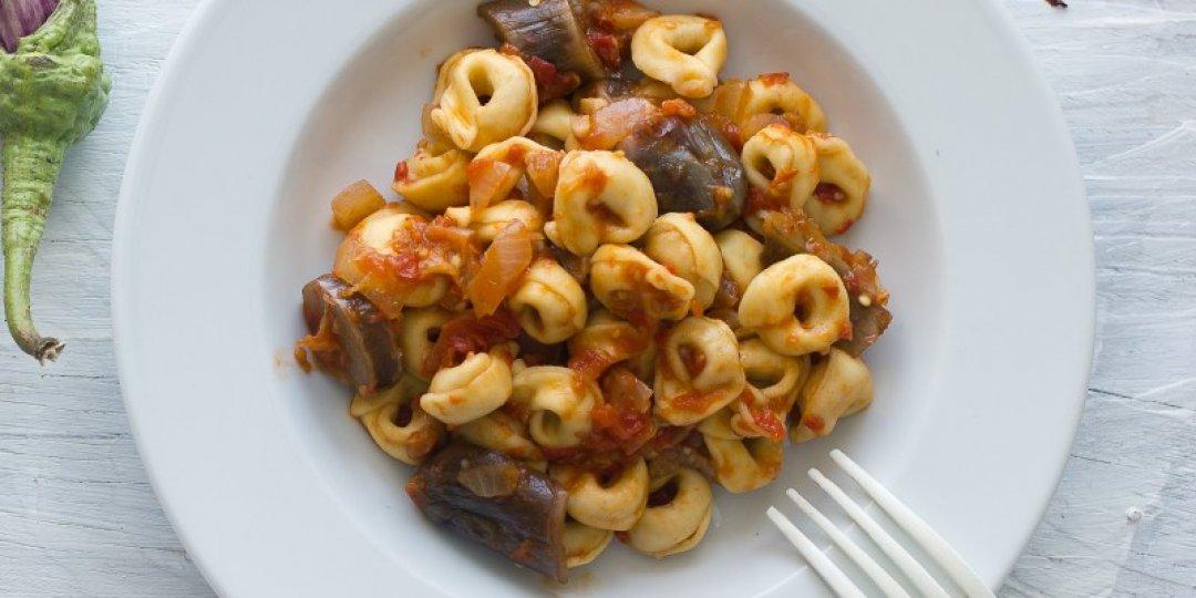 Τορτελλίνι με πικάντικη σάλτσα μελιτζάνας - Images