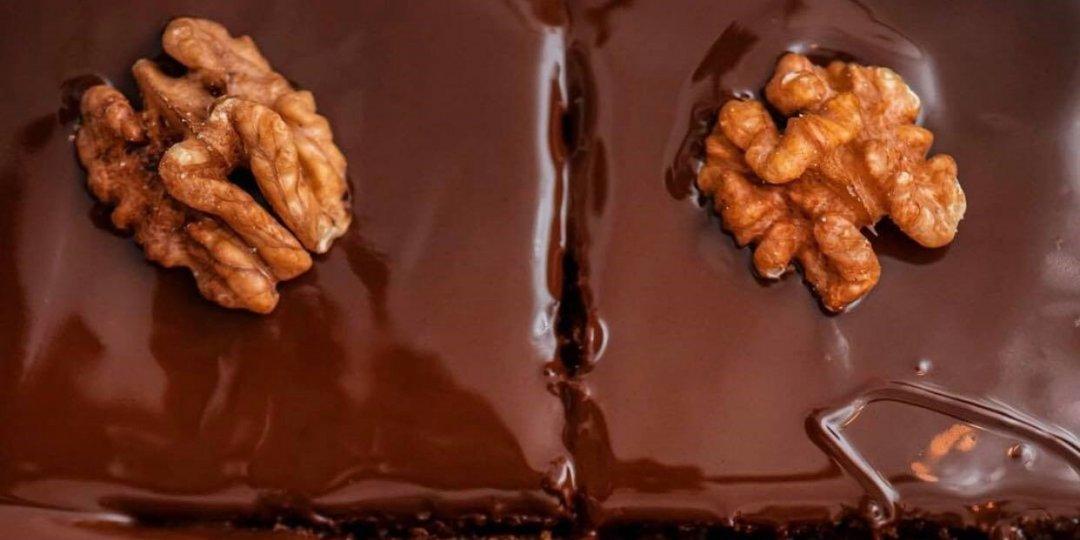 Εύκολη καρυδόπιτα με σοκολάτα - Images