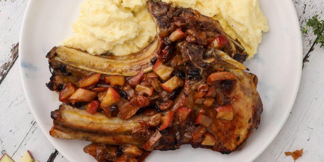 Χοιρινά μπριζολάκια με chutney μήλου και πουρέ πατάτας - Images