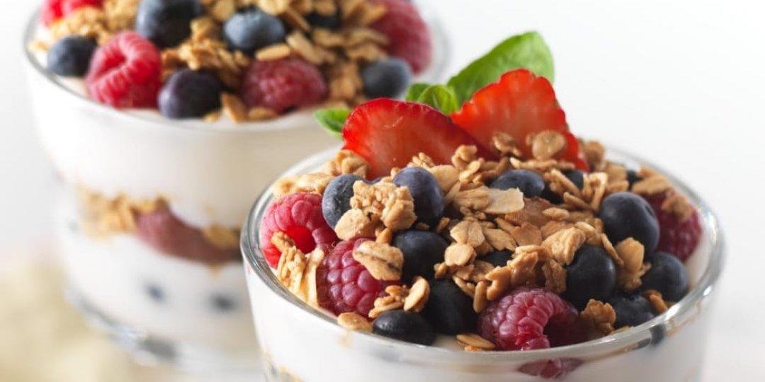 5 ιδέες για σνακ με γιαούρτι που δε θα βαρεθείς από το διαιτολόγο - Κεντρική Εικόνα