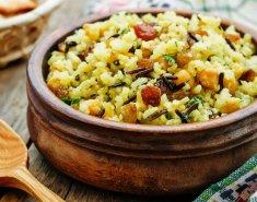 Άγριο ρύζι με μανιτάρια, λαχανικά και σταφίδες - Images