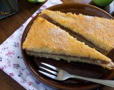 Νηστίσιμη μηλόπιτα με σταφιδάκια και κονιάκ  - Images