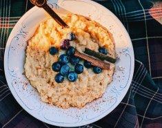 Σπιτικό ρυζόγαλο με ξύσμα πορτοκαλιού, φρέσκα μύρτιλα και κανέλα - Images