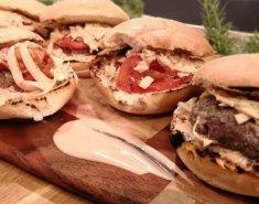 Άγιος Δομίνικος - Δομινικανά chimi hamburgers - Images