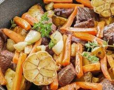 Μοσχαρίσια σκορδάτη τηγανιά με λαχανικά και σέρι - Images