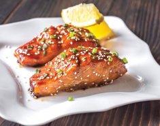 Ψητός σολομός με σάλτσα σόγιας Exotic Food - Images