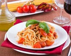 Σπαγγέτι με τόνο και ντομάτες  - Images
